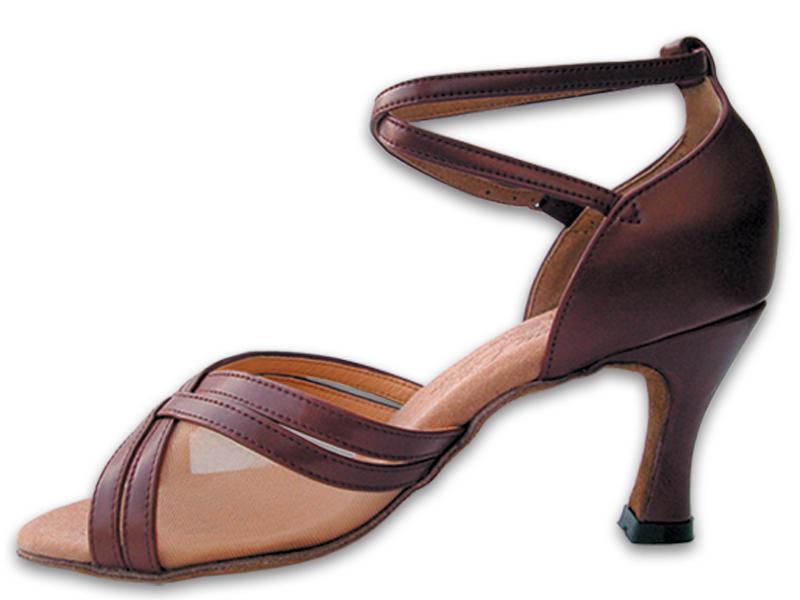 Estatura de las mujeres con tacones (high heels) S,PP,C-2.75%20inch%20heel